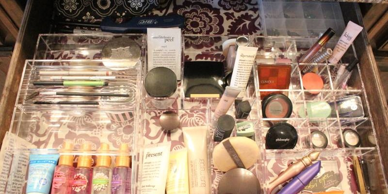 Project Organization: The Makeup Drawer Reveal